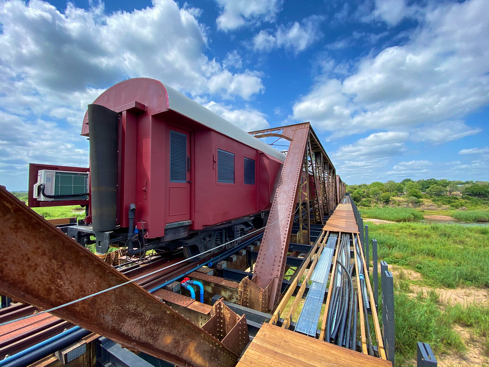 The first carriage of the hotel has been completed © Francois van Zyl / Kruger Shalati: The Train on the Bridge