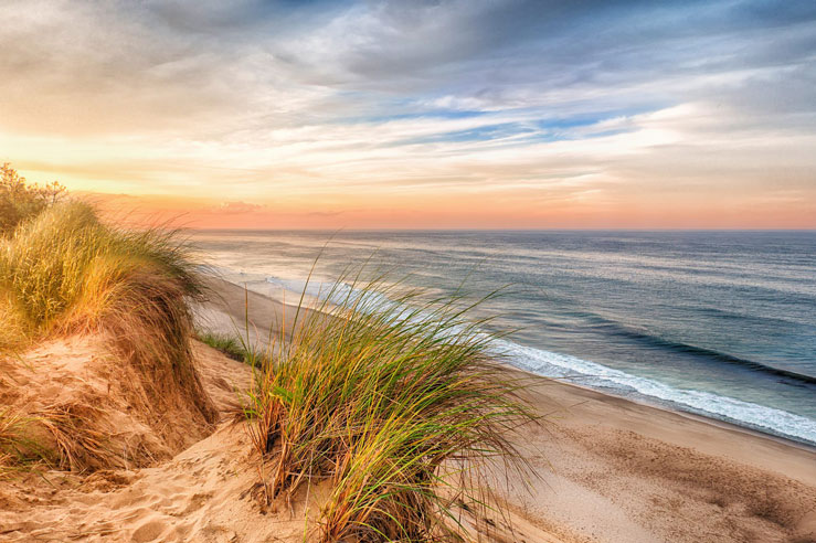 Cape Cod's Wellfleet draws a college crowd © Christopher Cove/500px