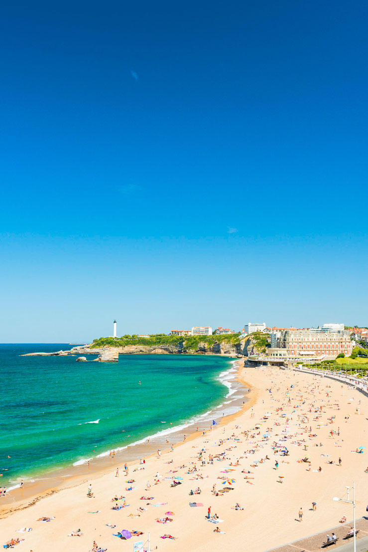 La Grand Plage de Biarritz © Justin Foulkes / Lonely Planet
