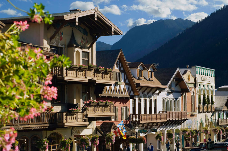 Leavenworth's Bavarian village has the Cascade Mountains as an Alps-style backdrop ©Connie Coleman/Getty Images