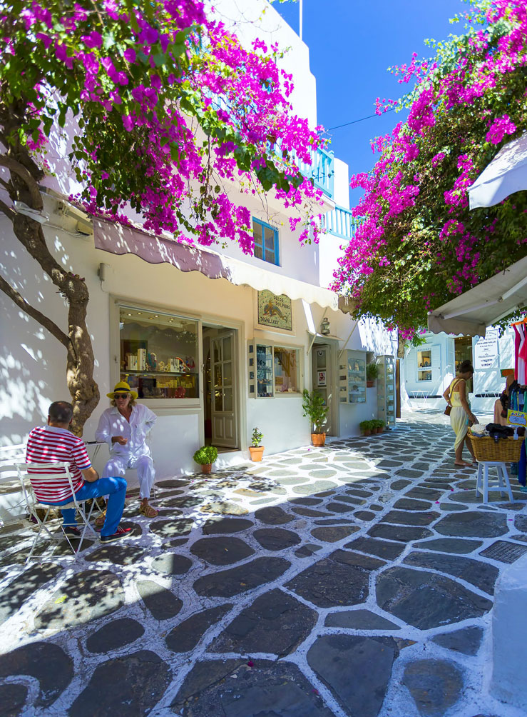 Bars and restaurants have opened along the famous Matogianni Street in Mykonos ©Anastasios71/Shutterstock