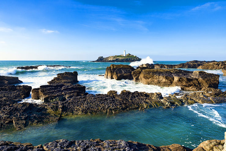 Godrevy lighthouse, said to be an inspiration to writer Virginia Woolfe © James Pearce / Shutterstock