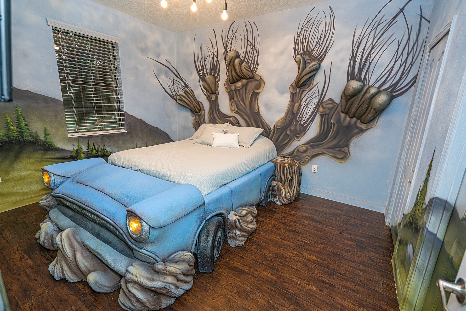 Guests can sleep in Arthur Weasley's flying Ford Anglia © Loma Homes